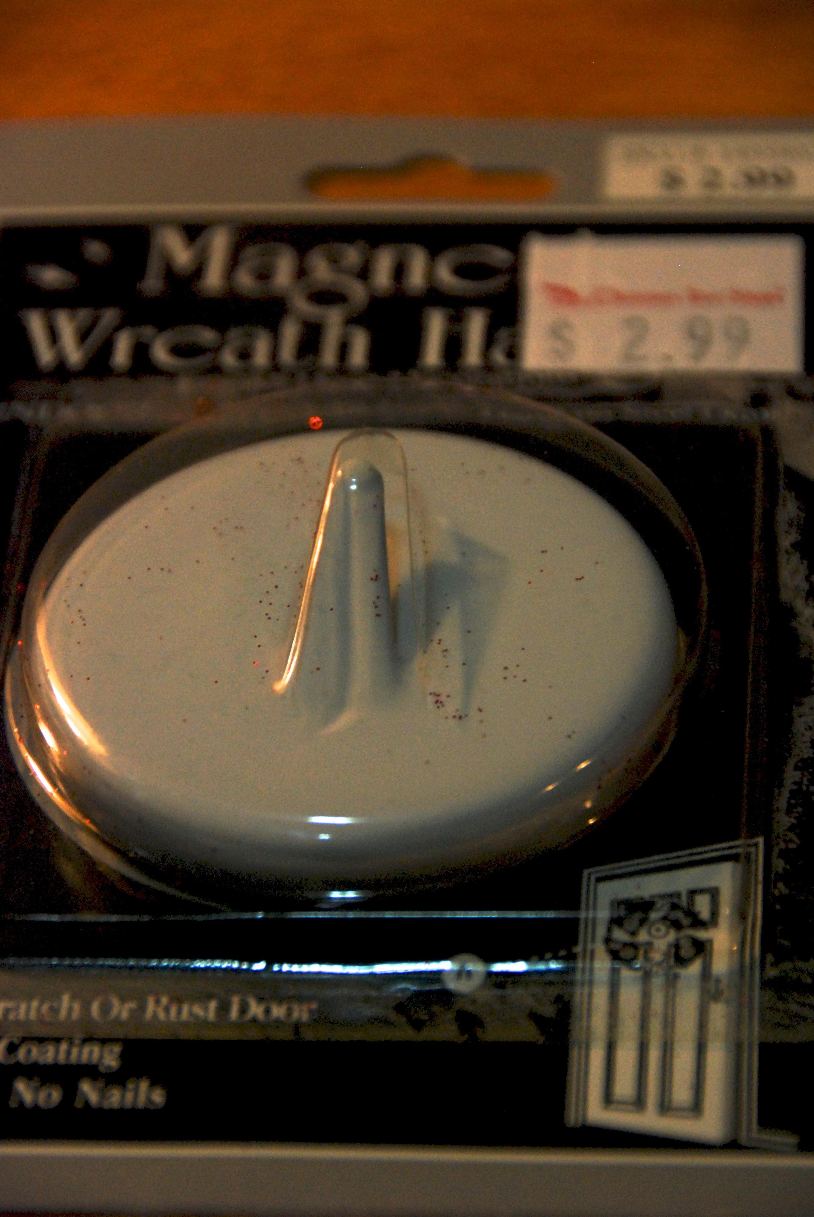 magnet wreath hanger