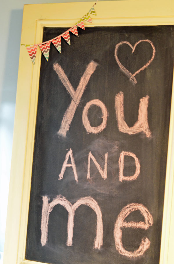 cabinet-door-chalkboard_createandbabble.com