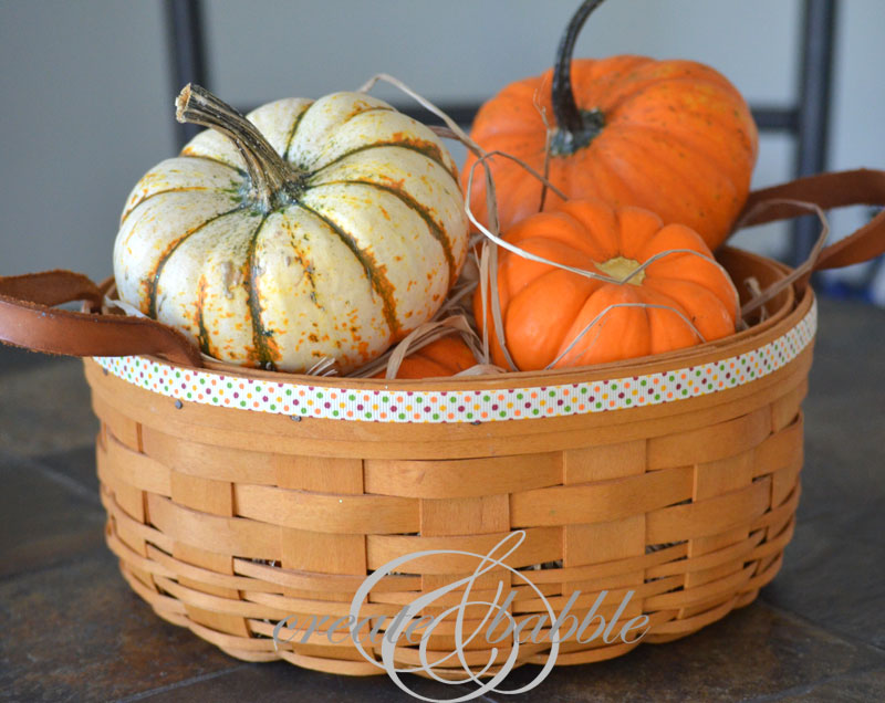 decorating with pumpkins_createandbabble