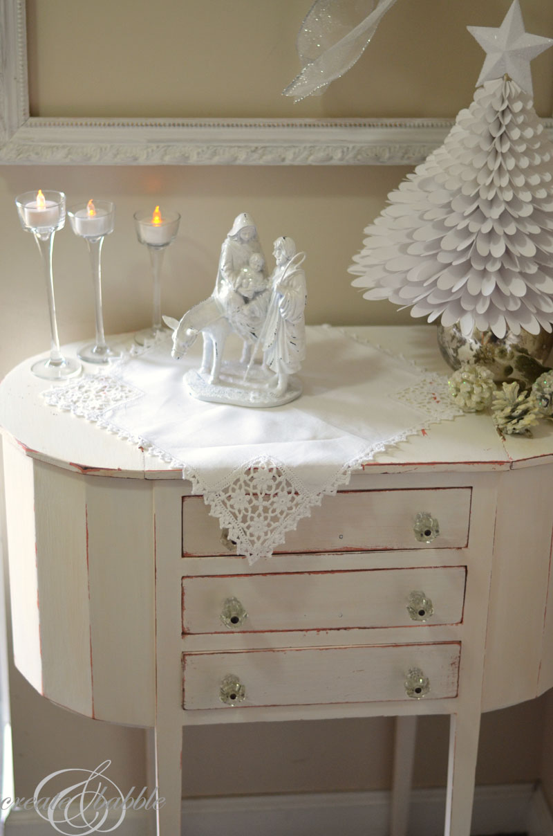 white and silver christmas vignette_createandbabble.com