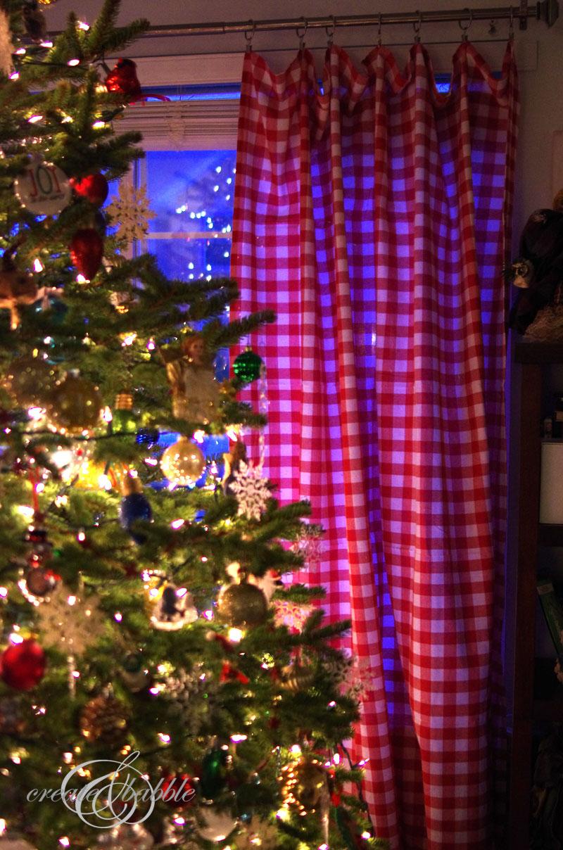 use tablecloths for curtains_createandbabble.com