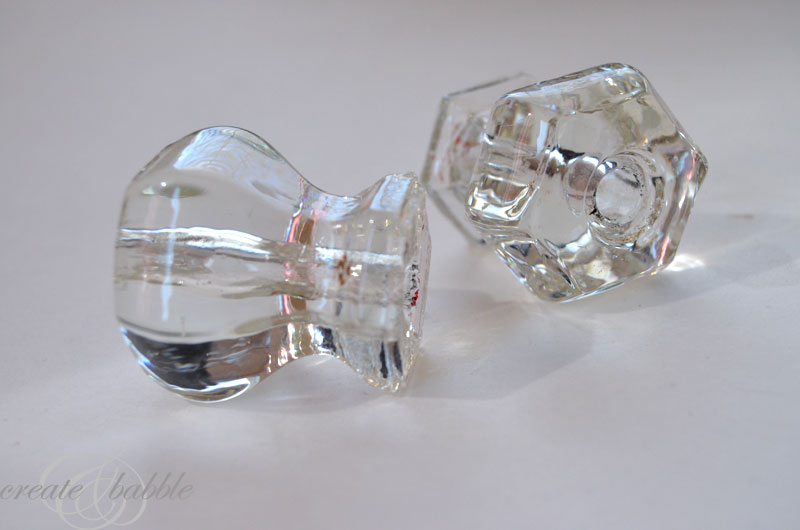 cleaning-glass-knobs-by-createandbabble.com