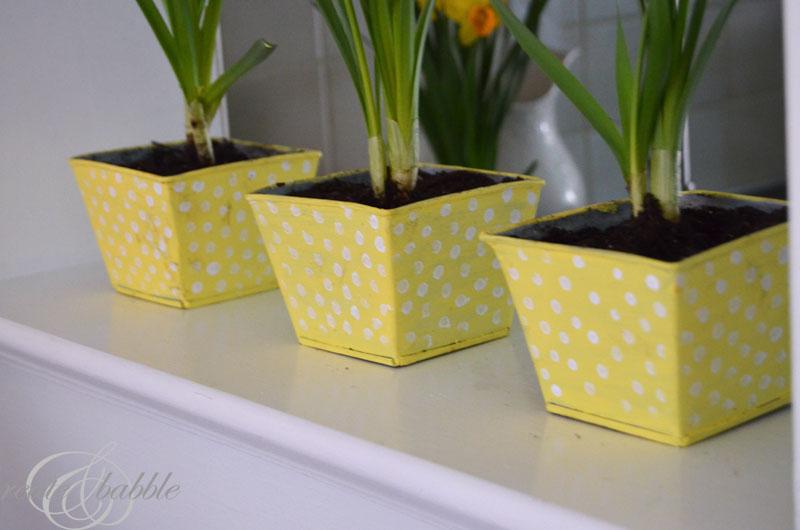 easy-diy-painted-flower-pots-createandbabble