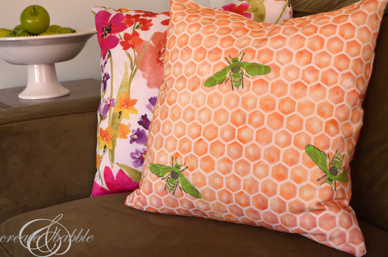 diy-stenciled-pillow-by-createandbabble.com
