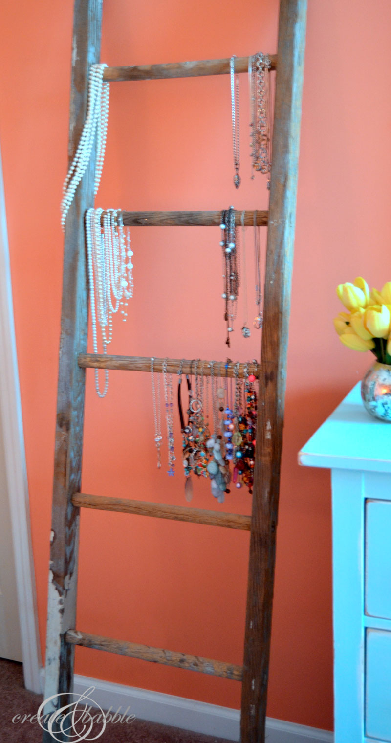 vintage ladder necklace storage by createandbabble