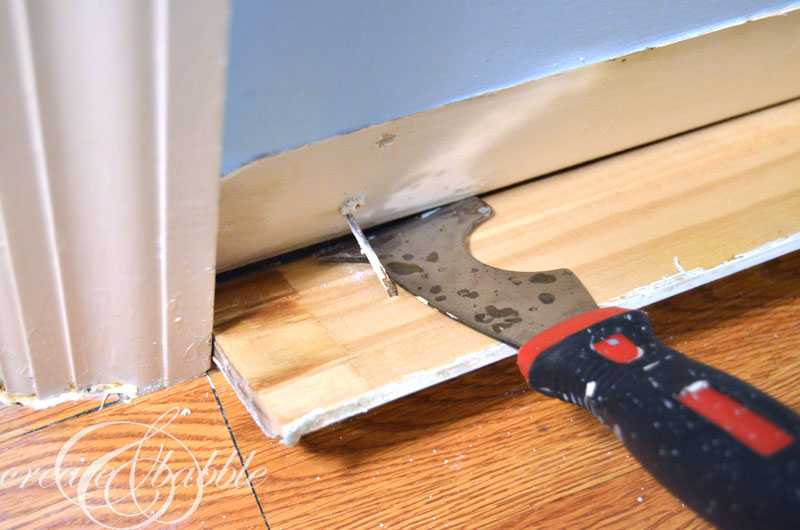 how-to-remove-baseboard-in-one-piece-createandbabble.com