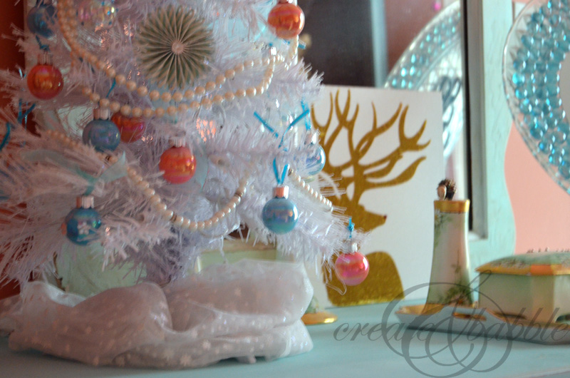 Decorate a Bedroom for Christmas on a Budget