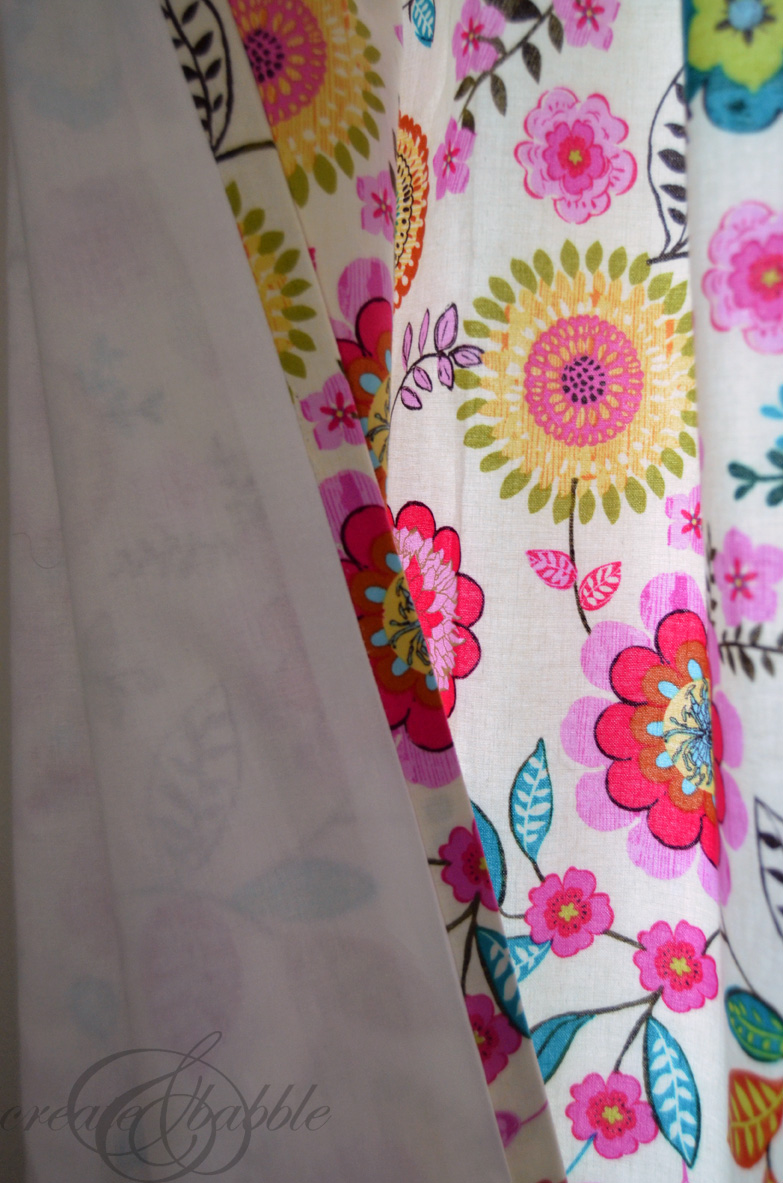an-easy-way-to-make-lined-curtains