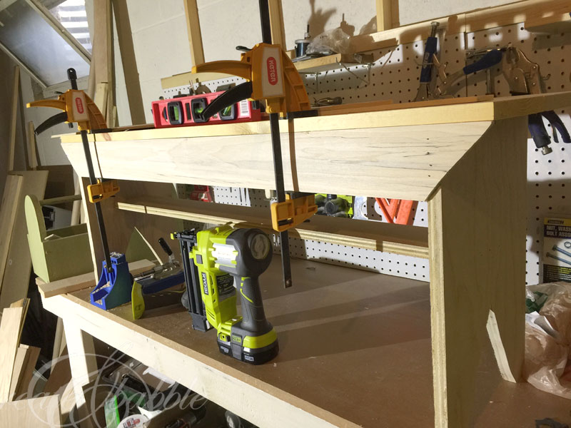 farmhouse-bench-clamped