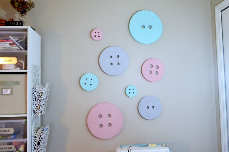 DIY Button Wall Decor-createandbabble.com
