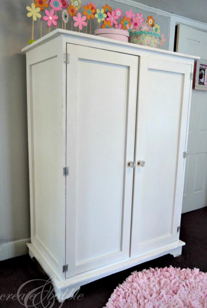 full-armoire