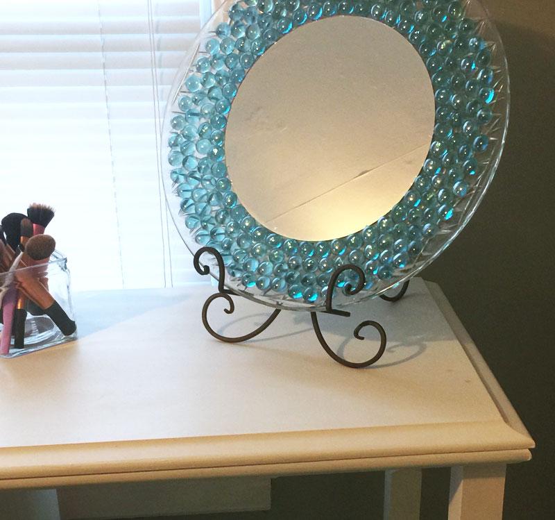 dresser-mirror-on-vanity-desk