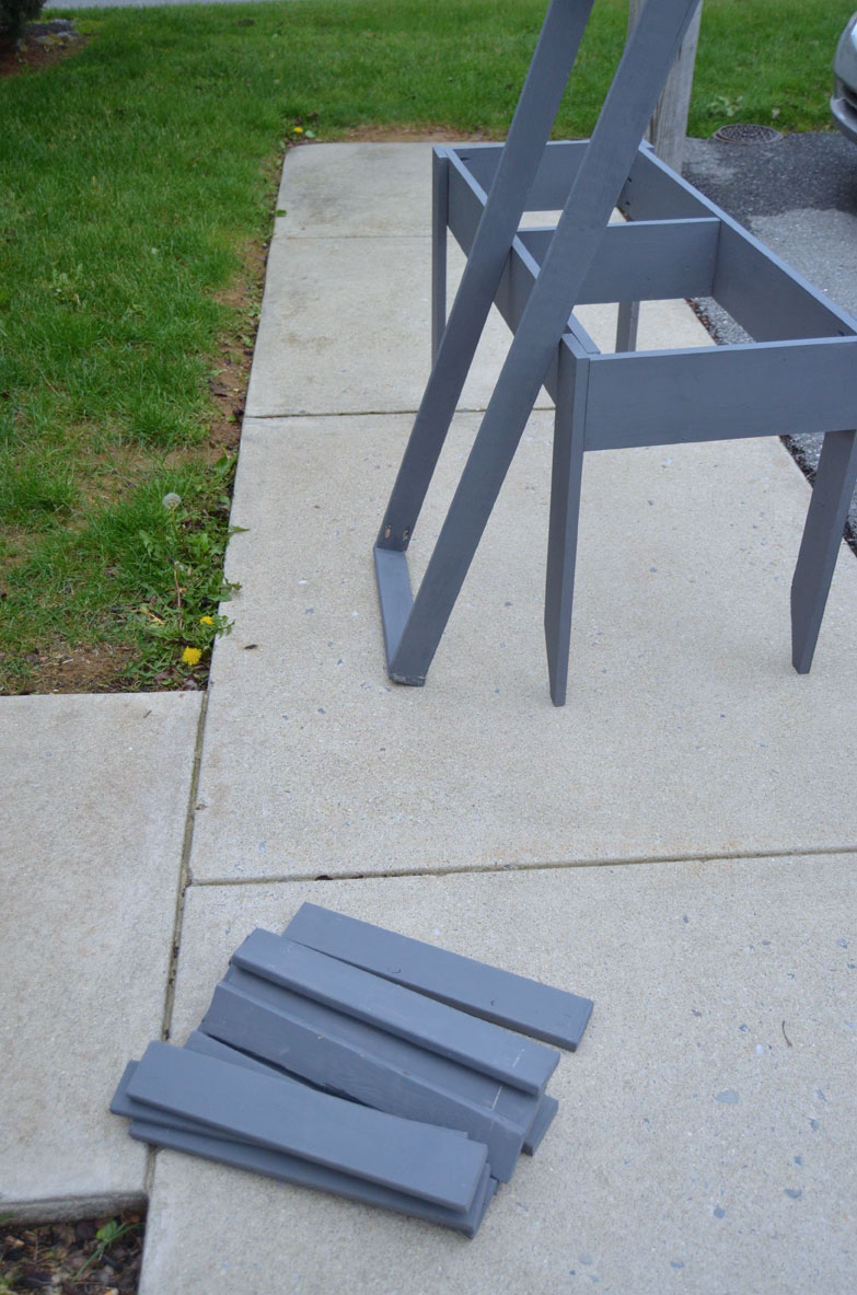 pieces-of-the-outdoor-table