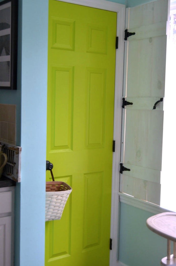 How to easily paint a six panel door