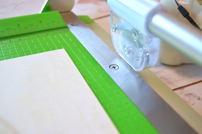 gear driven rotary blade of cutterpillar paper trimmer
