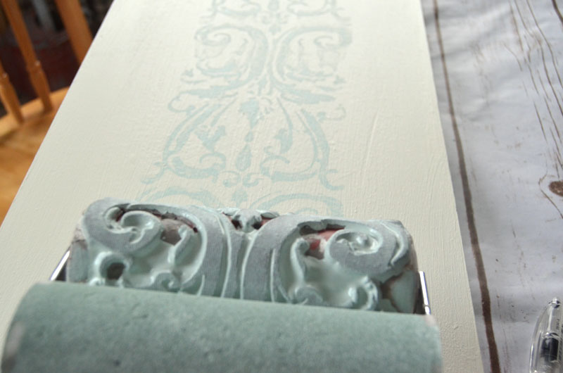 how to use iod roller stamp