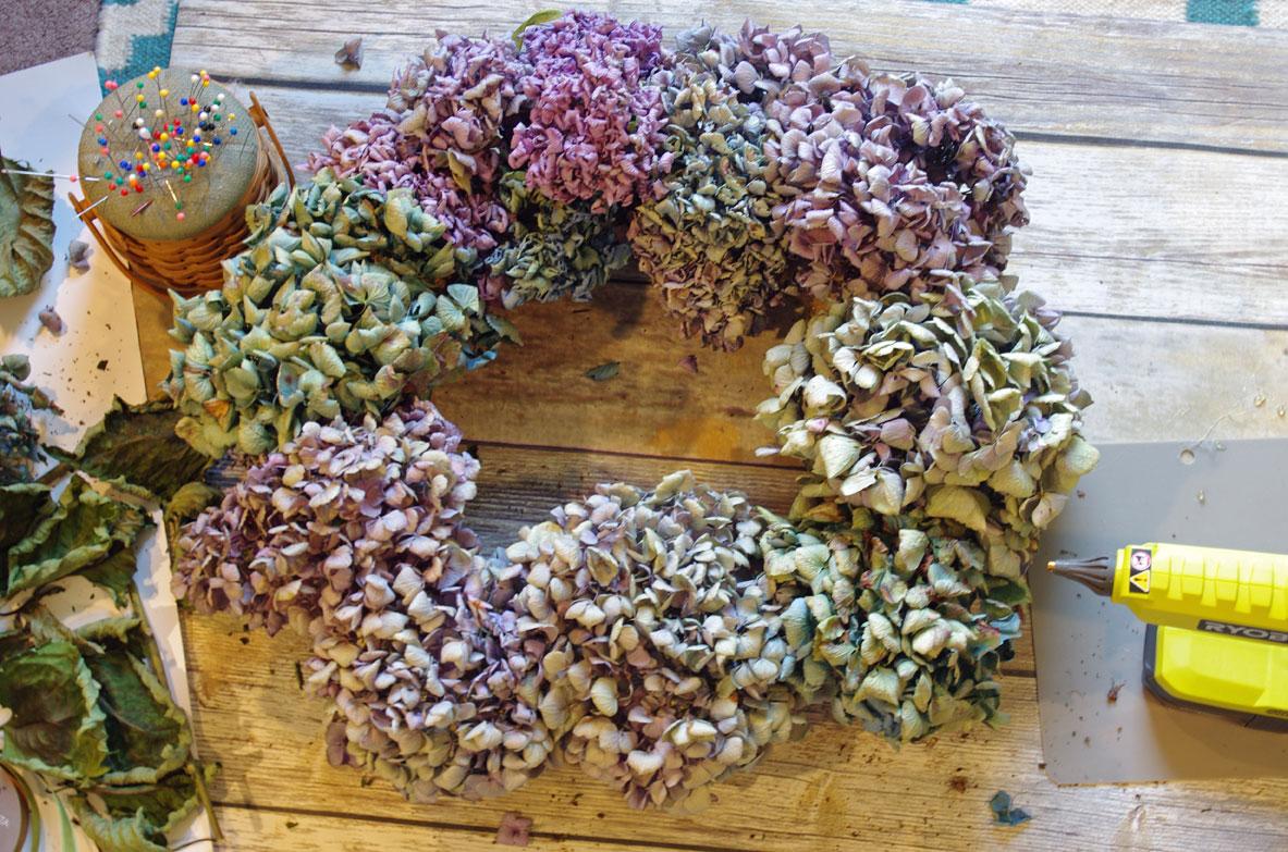 Easy to make hydrangea wreath
