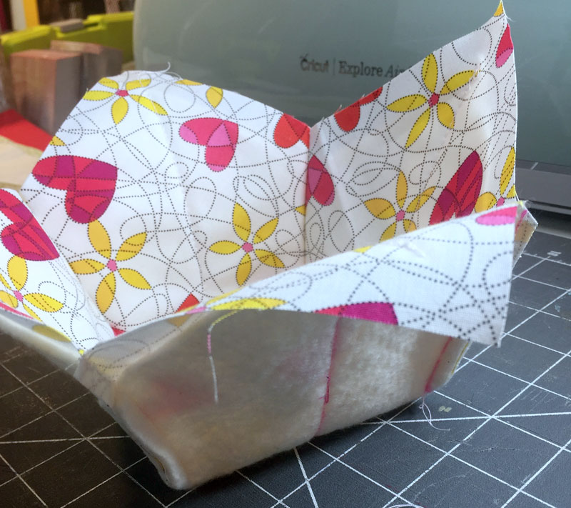 Steps To Create A Cosy Kitchen: How To Make A Microwaveable Soup Bowl Pot Holder