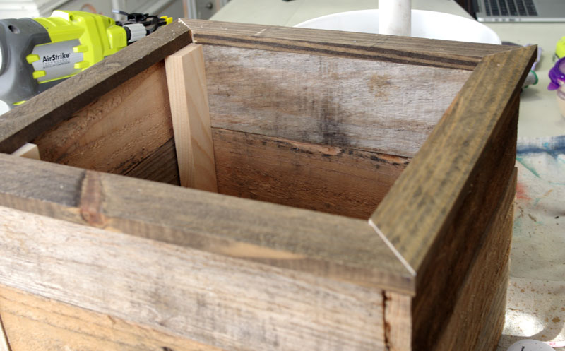 DIY Pallet Wood Christmas Tree box