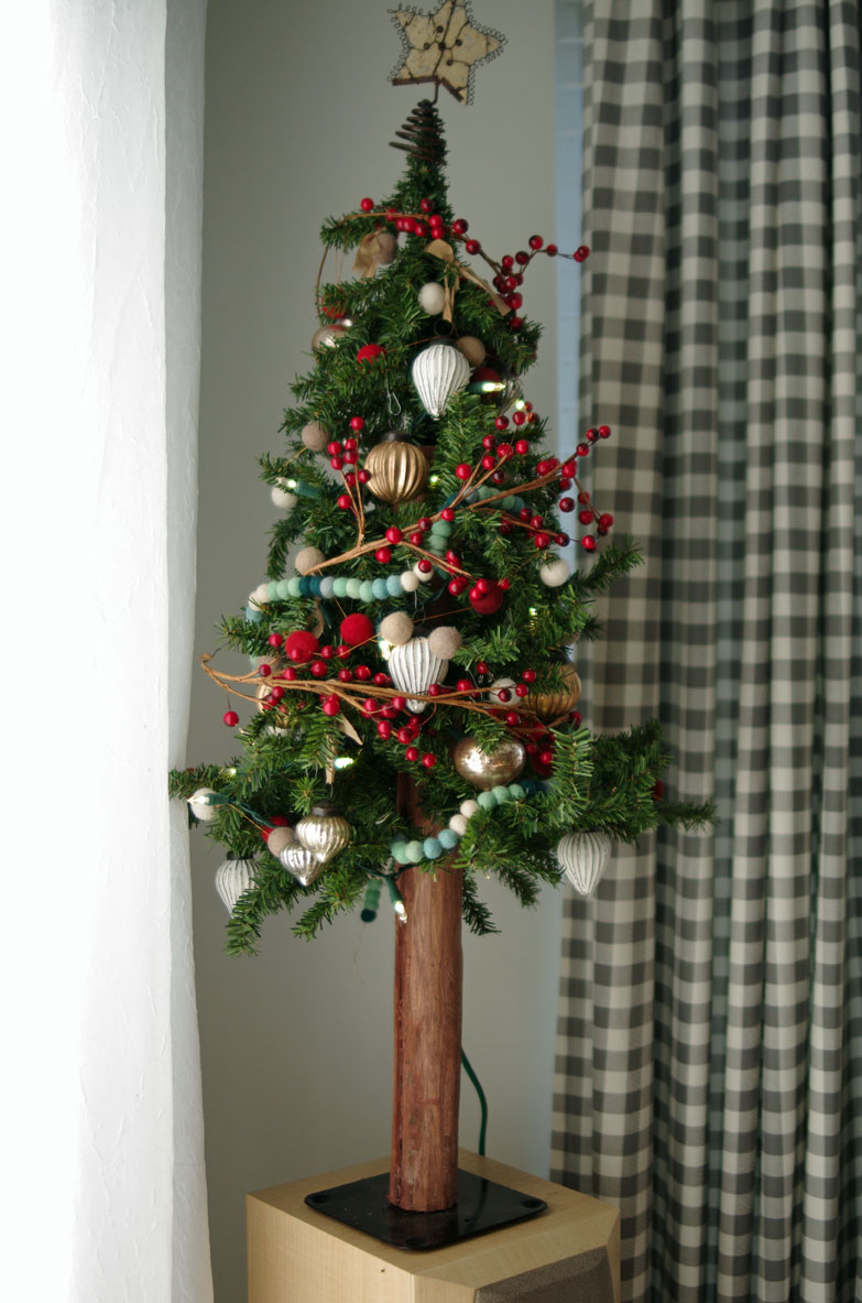 dollar store christmas tree base idea