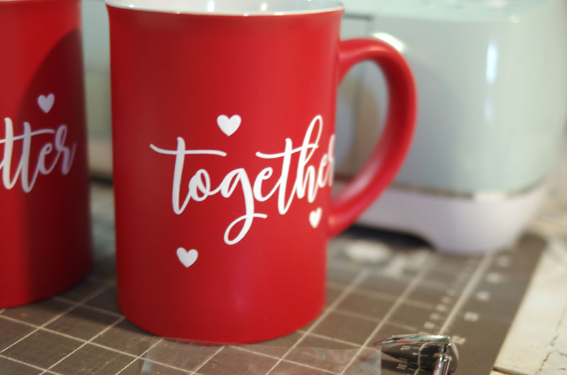 How to Decorate Mugs with Iron-on Vinyl