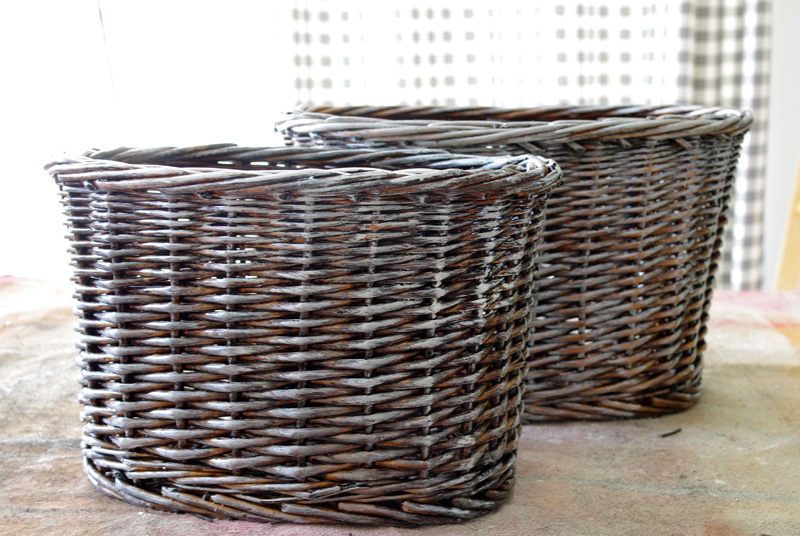 thrift store upcycle wicker baskets