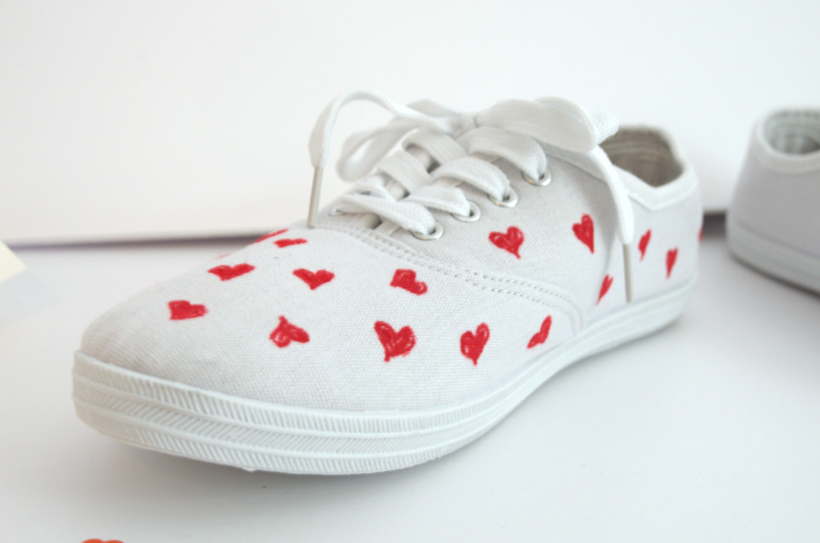 6075b3f8c3 Once my sneakers were randomly covered with orange hearts 😍, I grabbed my  red Sharpie paint pen and got to work. It took about 2 minutes, if that.