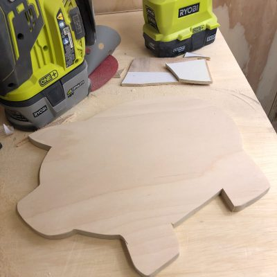 How to Make a Wooden Pig Cutting Board