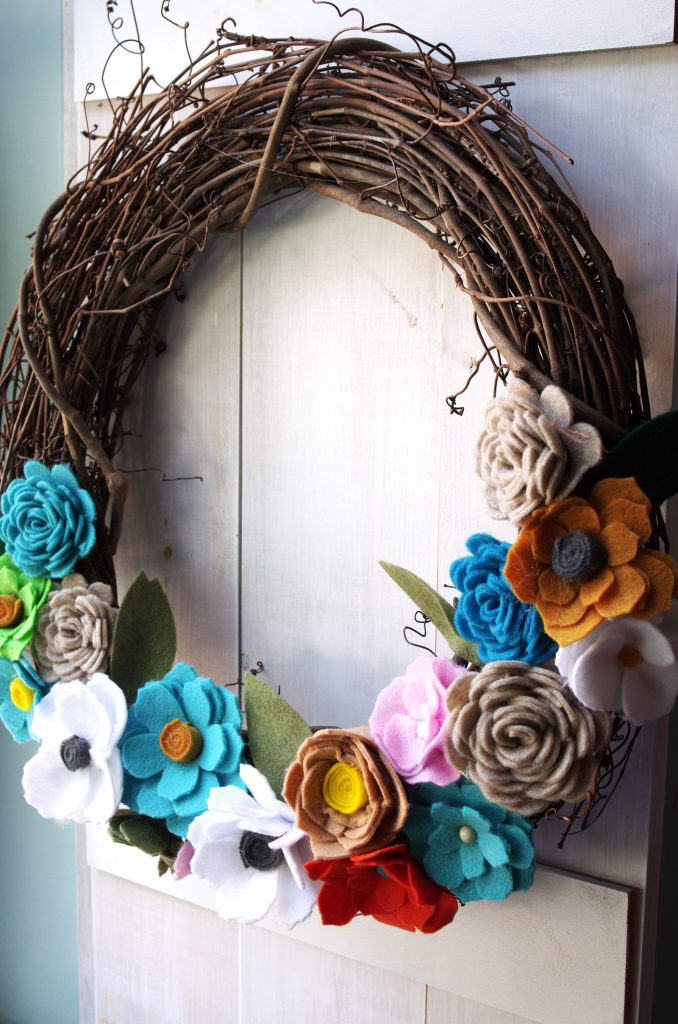 DIY Felt Flower Wreath for Fall Decorating