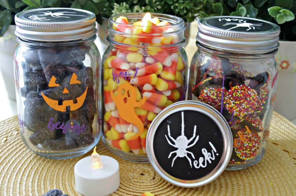 Halloween Mason Jars made with Chalk Couture