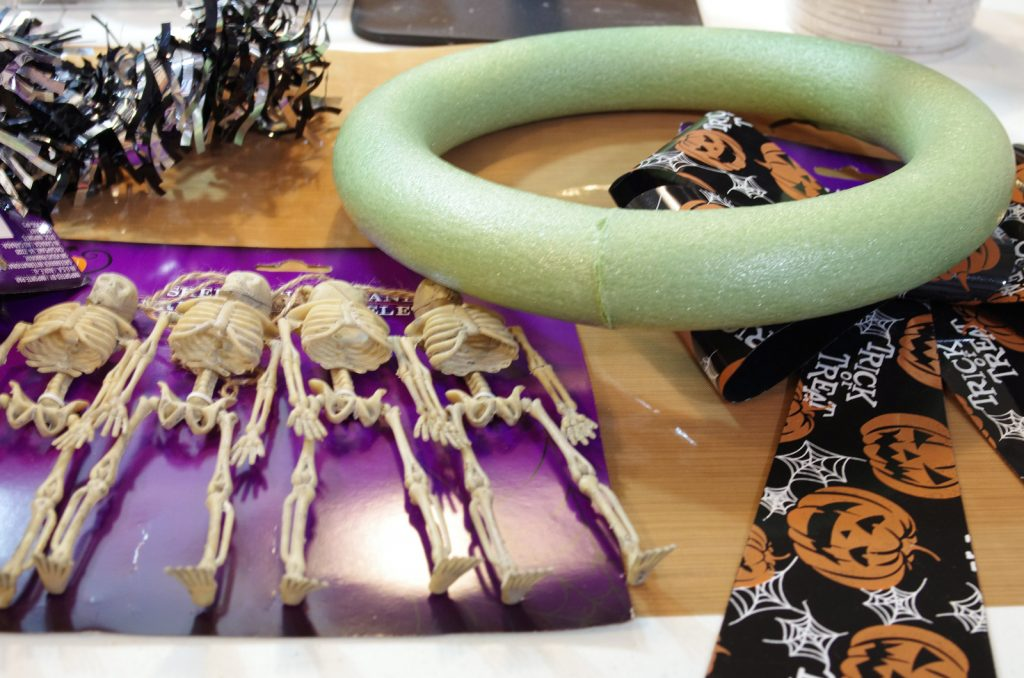 items from the dollar tree to make halloween wreath