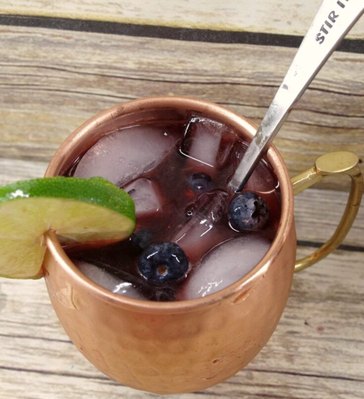 How to Make Blueberry Moscow Mules