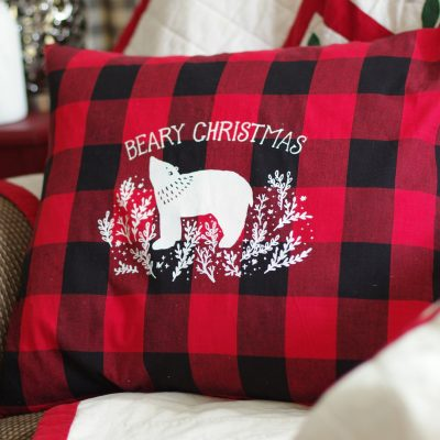 How to Make Pretty Christmas Pillows with Chalk Couture