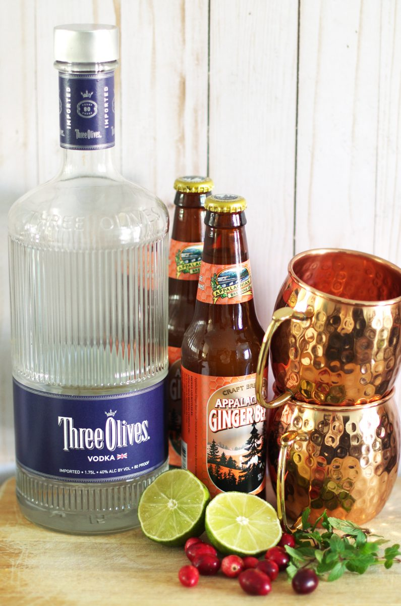 Ingredients to make Merry Moscow Mules