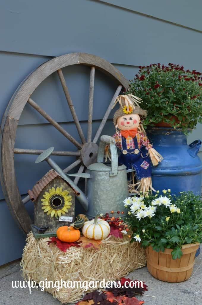 Fall Outdoor Decor Ideas & Vignettes