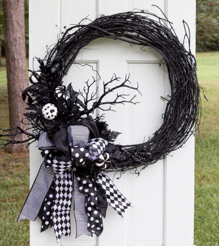Halloween Wreath with Bow DIY | Halloween Door Hanger