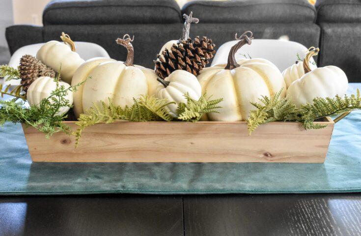 Make a Super-Easy Pumpkin Centerpiece!