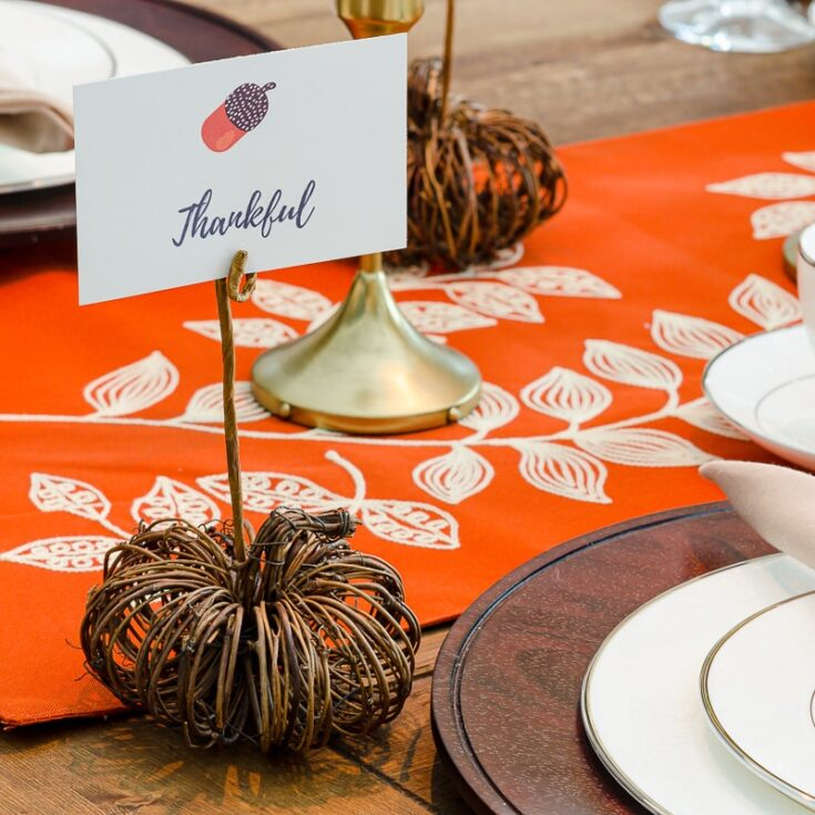 How to Make Easy Pumpkin Place Card Holders for Fall