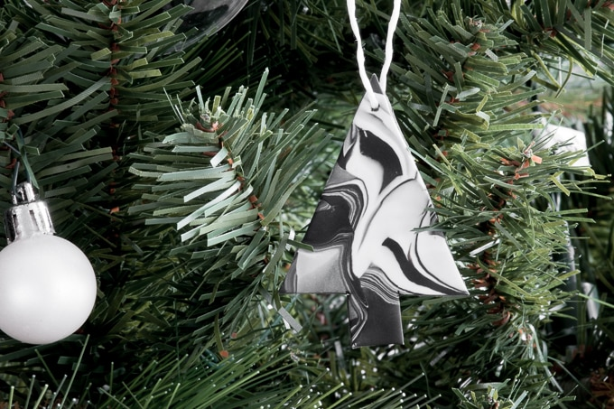 Marbled Christmas Ornaments Using Clay: Easy Monochrome Ornaments
